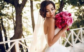 Букет невесты белые пионы